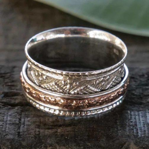 deco spinner ring